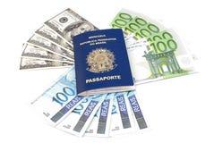 Pasaporte del dinero en circulación Imagen de archivo libre de regalías