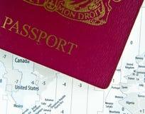 Pasaporte en correspondencia imagen de archivo
