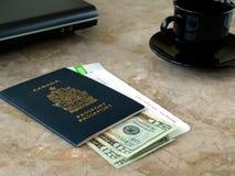 Pasaporte y documento de embarque Imagen de archivo libre de regalías