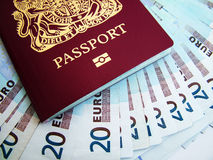 Pasaporte y euros Fotos de archivo libres de regalías