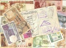 Pasaporte y moneda extranjera Imagenes de archivo