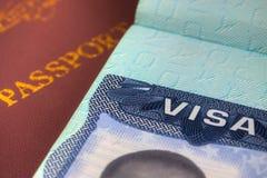Pasaporte y visa de los E.E.U.U. para la inmigración imagen de archivo libre de regalías