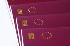 Pasaportes de la unión europea, biométricos Imágenes de archivo libres de regalías