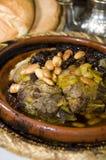 Pasas marroquíes del cordero del tagine del alimento Imágenes de archivo libres de regalías