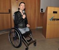 Pascale Bercovitch; sempre ottimista, si sforza in avanti Immagini Stock Libere da Diritti