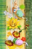 Pascua casera de decoraciones Fotos de archivo