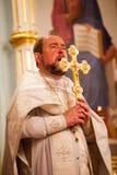 Pascua, ceremonia del rezo de la iglesia ortodoxa. Fotografía de archivo
