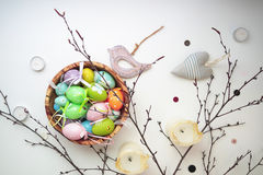 Pascua fijó con el pájaro de madera 10 Imagen de archivo