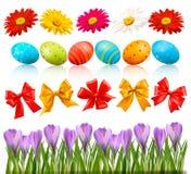 Pascua grande fijó con los huevos y las flores tradicionales libre illustration