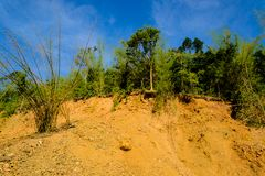 Pase de contrabando la diapositiva de tierra de la montaña del suelo y de la roca Imagen de archivo