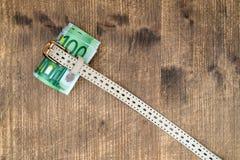 Pase menos concepto del dinero foto de archivo libre de regalías
