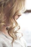 Pasemko blond falisty włosy Zdjęcie Royalty Free