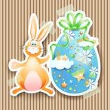 Pasen-achtergrond met ei en konijntje Royalty-vrije Stock Fotografie