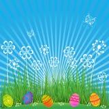 Pasen-Achtergrond met leuke eieren, bloemen en vlinders De scène van de beeldverhaallente met gras, hemel en gekleurde eieren op  stock illustratie