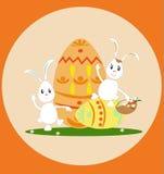 Pasen aggs en witte konijnen Stock Afbeelding