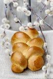 Pasen-broodje op houten lijst Royalty-vrije Stock Foto