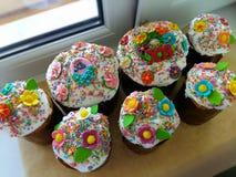 Pasen-cakes, traditionele feestelijke gebakjes in de Oekraïne stock fotografie