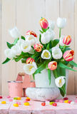 Pasen-de lentetulpen van het stillevenboeket Royalty-vrije Stock Foto