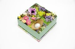 Pasen-decor in een doos royalty-vrije stock foto
