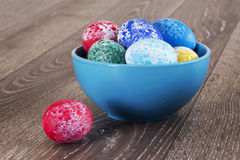Pasen gekleurde eieren Stock Foto's