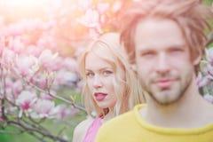 Pasen, man en vrouw in de lente royalty-vrije stock fotografie