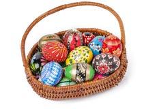 Pasen-mand met geïsoleerde eieren Royalty-vrije Stock Afbeeldingen