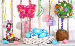 Pasen-met de hand gemaakte decoratie Pasen-Vakantieconcept royalty-vrije stock foto's