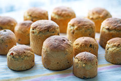 Pasen, Pasen cupcakes of het eigengemaakte brood van Pasen Stock Foto