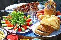 Pasen-picknick. Stock Afbeeldingen