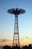 Paseo abandonado del salto de paracaídas, Coney Island Imagenes de archivo