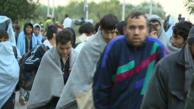 Paseo con la esperanza de una crisis vida-europea correcta de los refugios almacen de video