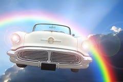 Paseo convertible ideal americano de las nubes del cielo de la fantasía foto de archivo