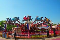 Paseo de Dumbo en Disneylandya Imagen de archivo libre de regalías