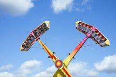 Paseo de emoción en el parque de atracciones Fotografía de archivo libre de regalías