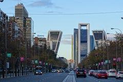 Paseo de la Castellana aveny i Madrid, Spanien royaltyfri fotografi