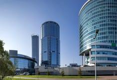 Paseo de la mañana de las calles de Ekaterimburgo Ekaterimburgo es la cuarto más grande ciudad en Rusia imagenes de archivo