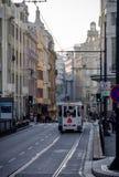 Paseo de la tranvía en Oporto fotografía de archivo