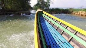 Paseo del barco en el lago Inle metrajes