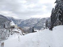 Paseo del cielo de Hallstatt austria Opinión del invierno del top foto de archivo libre de regalías