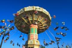 Paseo del parque de atracciones Fotos de archivo