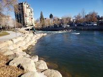 Paseo del río Truckee foto de archivo