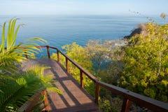 Paseo del tablero en la playa Foto de archivo libre de regalías