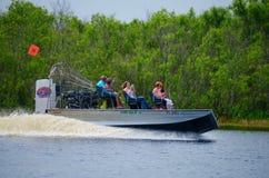 Paseo el río St Johns del airboat del acebo del campo en la Florida Imagen de archivo libre de regalías