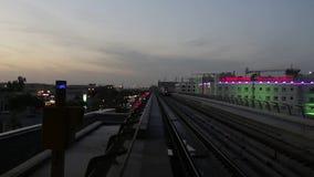 Paseo en el metro de Dubai metrajes
