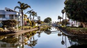 Paseo en los canales de la playa de Venecia Foto de archivo libre de regalías