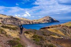 Paseo hermoso en Ponta de Sao Lourenco, Madeira foto de archivo