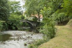 Paseo a lo largo del río en el santo Jean Pied de Port Imágenes de archivo libres de regalías