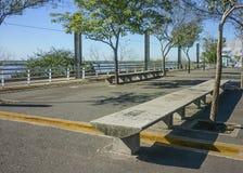 Paseo marítimo vacío en Rosario, la Argentina Foto de archivo libre de regalías
