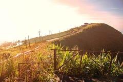 Paseo para arriba a la colina con la luz en d3ia Fotografía de archivo