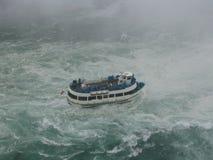 Paseo rápido del barco del agua Imagen de archivo libre de regalías